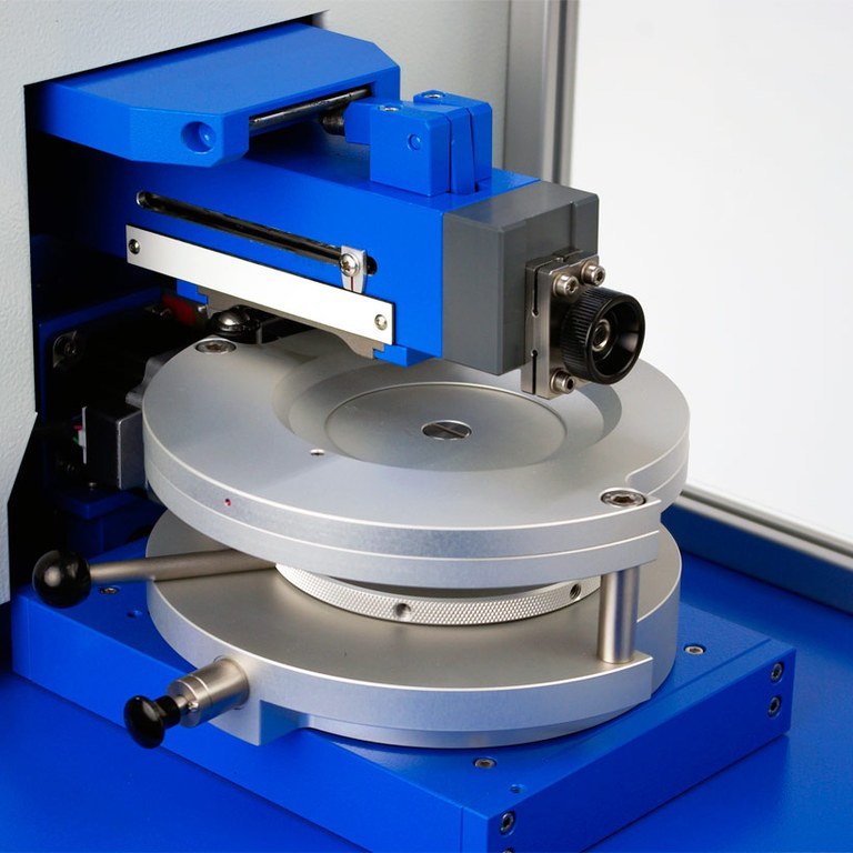 automatisches Gitterschnittgerät SCRATCH HARDNESS TESTER 430 P-I-Smart Detail Tisch 2
